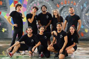 Foto dos integrantes do Coletivo de Danças Urbanas